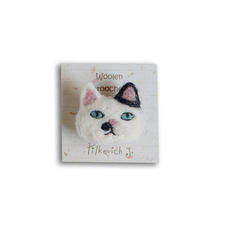 "Brooch made of felt ""Cat with a spot"""