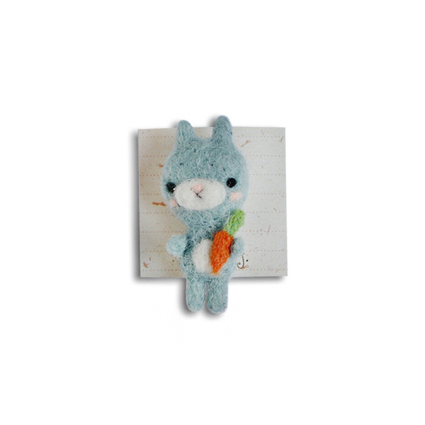 "Brooch made of felt ""Bunny with a carrot"""