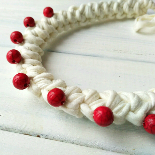 """Necklace from knitted yarn """"Ice Cream"""""""