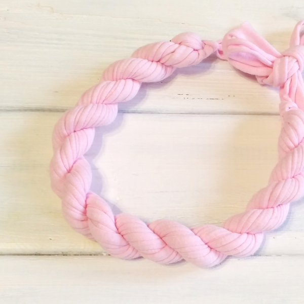 """Necklace from knitted yarn """"Flagellum"""", light pink"""